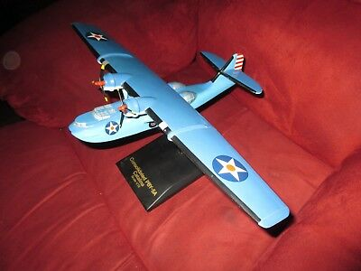 1:72 U.S. Navy, Consolidated PBY-5A Catalina Patrol Plane, w/Stand, LOOK!