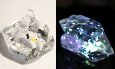 19.25ct Rare Fluorescent Petroleum Enhydro Oil Diamond Quartz Crystal