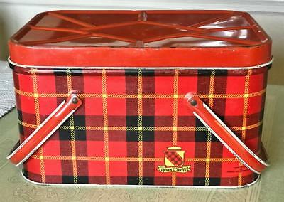 Vintage QUEEN O' SCOTS Tin Picnic Basket with Handles