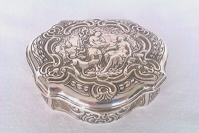 Rare & Beautifully Embossed Solid Silver Snuff Box Berthold Muller Chester 1910
