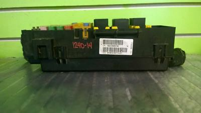 03 Jeep Liberty Sport 3.7L At Fuse And Relay Box Oem 1240-14