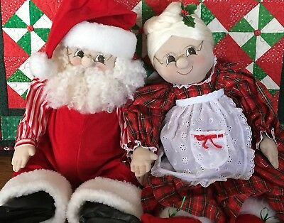 Santa & Mrs Claus Soft Sculture Vintage Handcrafted Christmas Dolls A Rare Find!
