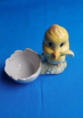 Vintage-retro-kitsch-Baby Chick egg-cup in near new  Pre-loved condition
