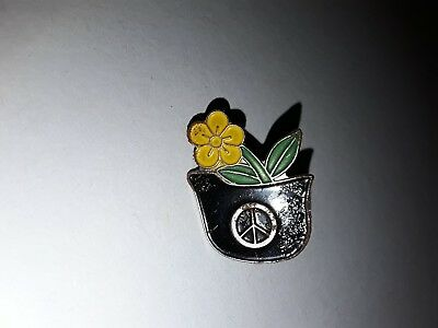 PIN'S PINS  peace and love logo fleur et casque +   attache