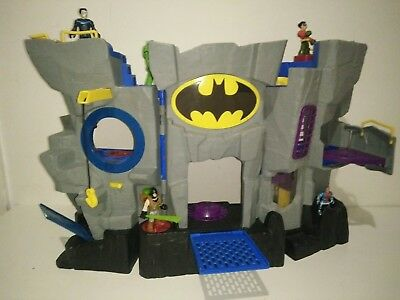 Fisher Price IMAGINEXT Batman City Play Set Super Hero Accessories Bat Bike