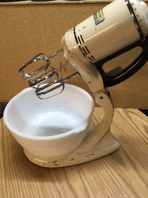 GE vintage stand/portable 3 beater mixer