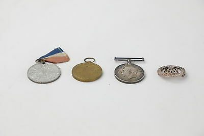 4 x Vintage WW1 War Medals & Wound Badge Inc. Victory & Peace Medal