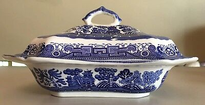 England Blue Willow Covered Vegetable Dish Rectangular Serving