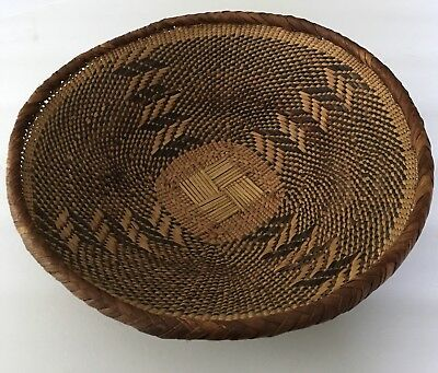 "Vintage Tightly Hand Woven AFRICAN BASKET BOWL Tribal Art 10"" X 3"" Round Reed"