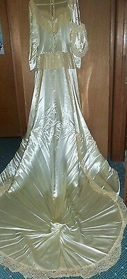VICTORIAN WEDDING GOWN & PURSE,IVORY 10-12 TALL,TRAIN, LACE,VINTAGE  70yr.BEAUTY