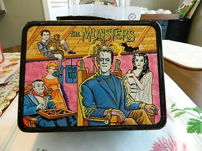Rare Vintage - 1965 - THE MUNSTERS Metal Lunch Box
