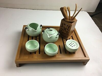 Gongfu Chinese Porcelain 10-piece Tea Set Bamboo Tea Tools Reservoir/ServingTray