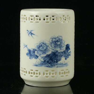 Chinese Porcelain Hand-painted Flowers &Birds Brush Pot W Qianlong Mark R1125+a