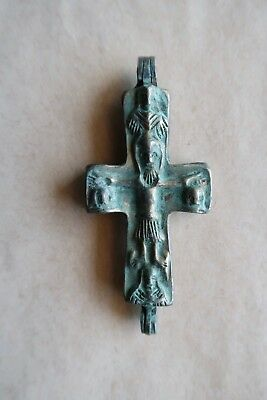 BYZANTINE BRONZE CROSS ENCOLPION (10th-12th c.). AN EXCELLENT PIECE OF ART!