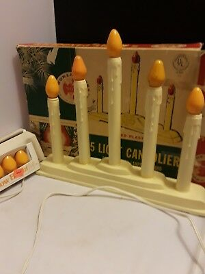 VINTAGE NOMA MOLDED PLASTIC 5 LIGHT CANDOLIER IN BOX/extra bulbs