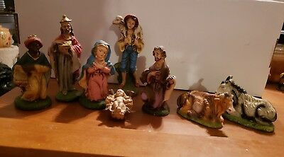 ANTIQUE VINTAGE NATIVITY SET 8 Figures Painted Made In Italy - w/ Jesus Manger