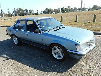 Holden Commodore Vh Sl Factory 202, 4 Speed