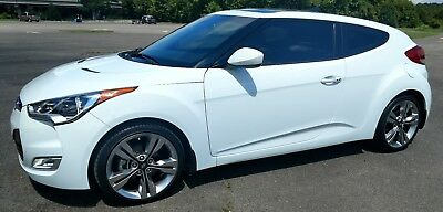 """2015 Hyundai Veloster EcoShift DCT GREAT CONDITION: LIKE NEW;  """"LOADED"""""""