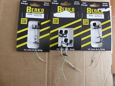 4 Berko 00 Square Signals B242L offset left B242R offset right 2 x B362 double