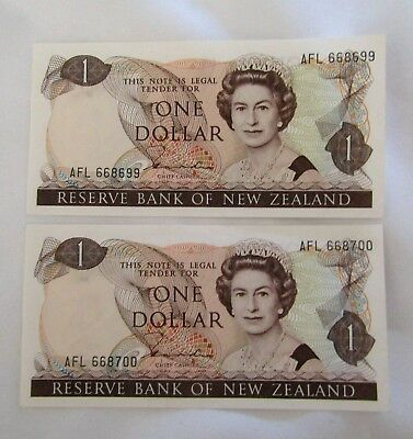 New Zealand, $1 notes, Hardie, Queen Elizabeth Portrait, 1981, consecutive notes