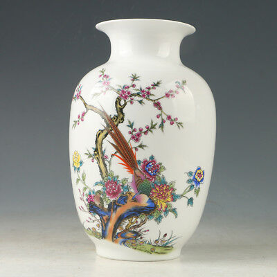 Chinese Porcelain Hand-painted Bird& Flower Vase W Qianlong  Mark GL509