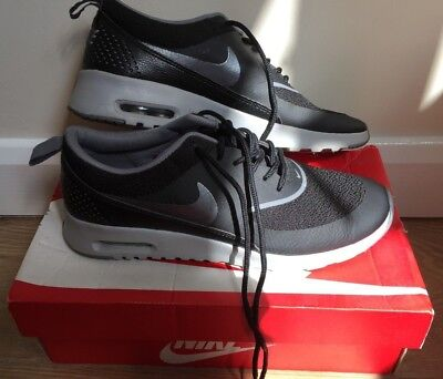 NIKE Air Max THEA Trainers Wolf Grey Size 5 **Excellent Condition **
