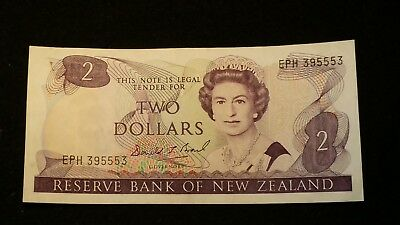Two Dollar New Zealand Paper Banknote    $2.00 Nz Note   # 74