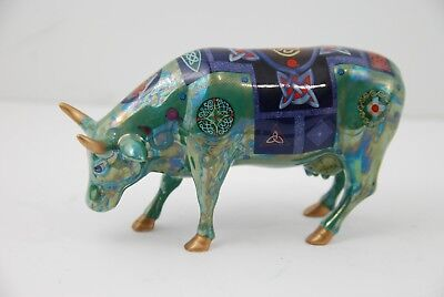A7 Beautiful  2002 Green Bull w Design Cow Parade Figurine Called Celtic
