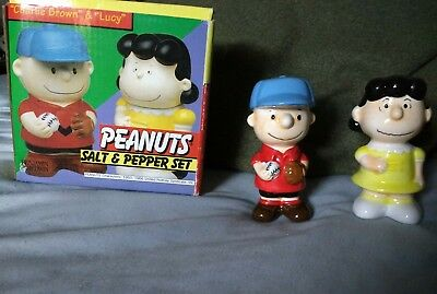 Peanuts salt and pepper shakers