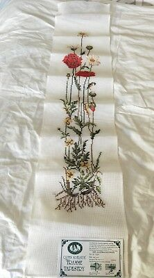 BRAND NEW QUEEN ADELAIDE Trammed TAPESTRY CANVAS & WOOL No. 8778T FLOWERS
