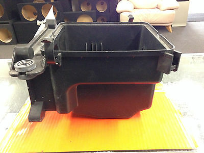 10 11 12 13 Kia Forte Air Cleaner  Box   CA Federal Emissions lower part only