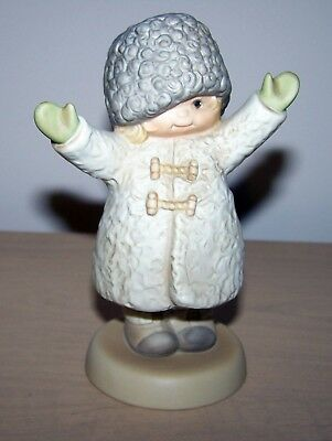 "525545 Memories of Yesterday ""Dedicated To World Peace"" Figurine 1991"