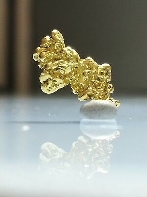 Crystalline GOLD NUGGET specimen RARE Crystalized ALASKA - HIGH END - 0.89g