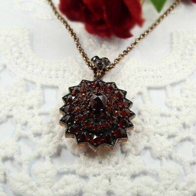 Brillant Vintage oval garnet locket pendant in Victorian style // ГРАНАТ