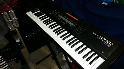 Roland XP50 Workstation gebraucht incl. Original Thon Flightcase