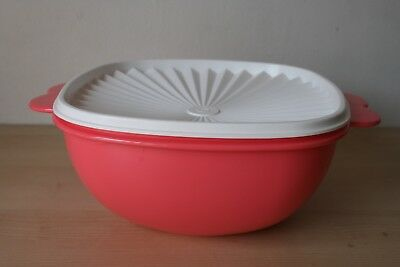 Tupperware Servalier Bowl w/ Butterfly Handles 13 Cup Salmon New