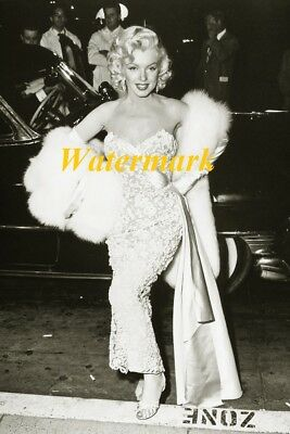 Marilyn Monroe-American actress, model, and singer photo 21