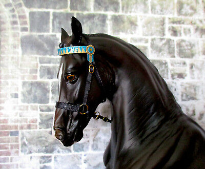 English Type Show Halter (Blue Band) for 1:9 (Breyer Traditional) Model Horse