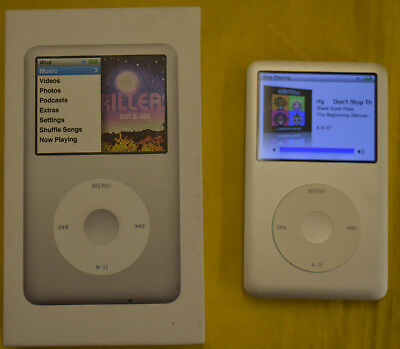 Apple iPod classic 7th Generation Silver (160 GB) in Retail Box Very Nice!