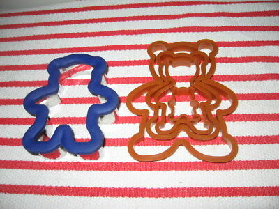 5 Collectible Wilton Teddy Bear Cookie Cutters 4 Graduated Sizes 1 Comfort Grip
