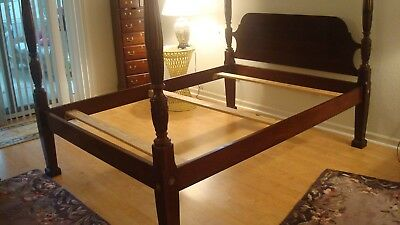 Hickory Mfg Solid Mahogany Queen Size Rice Carved Poster Bed Frame