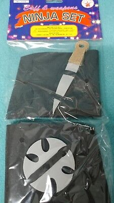 Cuffs & weapons Ninja Set knife and throwing star NEW