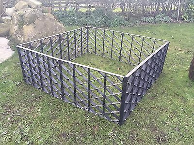 Pet Grooming & Treatment Pen Temporary Fencing For Securely Treating Animals Dog