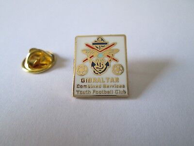 b1 COMBINED SERVICES YOUTH FC club spilla football pins gibilterra gibraltar