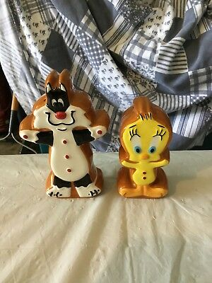 """Looney Tunes Salt and Pepper Shaker Sylvester & Tweety As Gingerbread 4"""" Tall"""