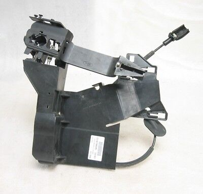 Ford Fiesta mk6 02-05 central locking mechanism 3 door right driver side 8 pin