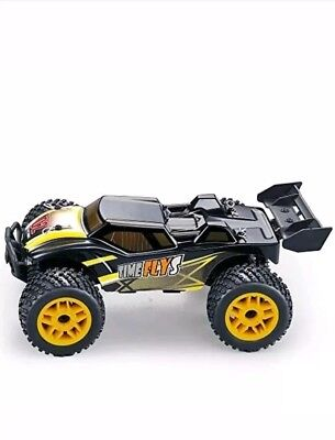 GPTOYS waterproof radio controlled car 2.4 GHz 4 WD suspension mounted
