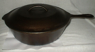 Vintage 10 inch (No.8) Cast Iron Chicken Pot Dutch Oven W/ Basting Lid Unbranded