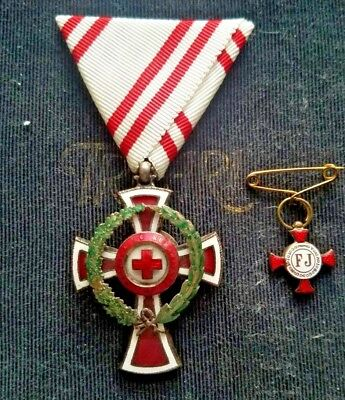 WW1 Austria Honor Decoration of the Red Cross with War Wreath,2nd Class.