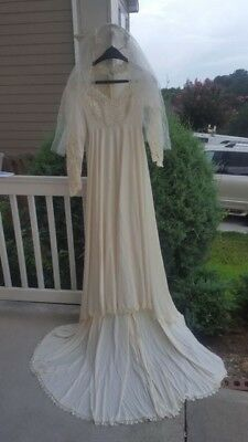 vtg 70s Alessandro Bridals Ivory Wedding Dress Long Train Beaded sz 7/8